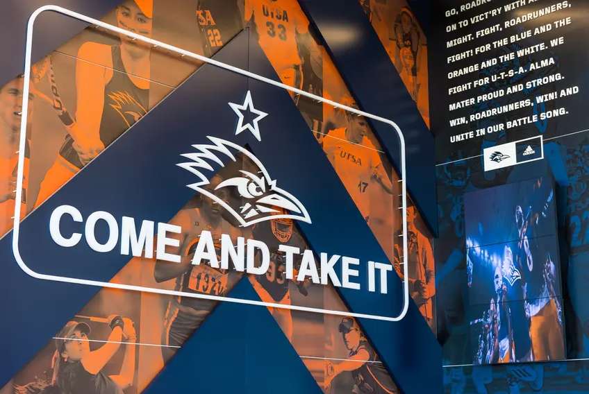 """UTSA stopped displaying """"Come and take it"""" flag at football games and now faces criticism from its Board of Regents"""